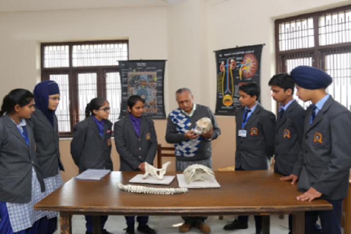 Ganga International School-Laboratory