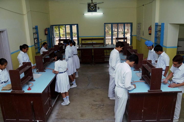 Gen Gurnam Singh Public School-Science Lab