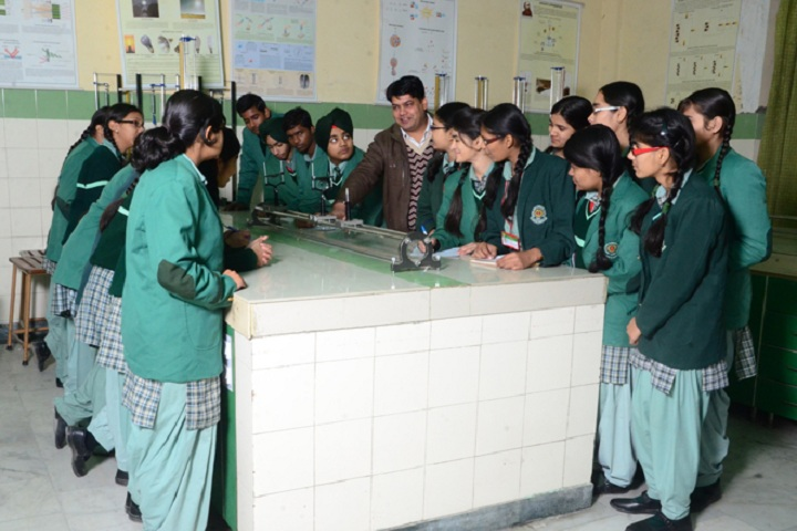 Green Land Convent School-Physics lab
