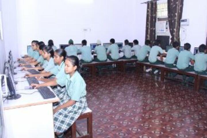 Green Land Day Boarding Public School-Computer Lab