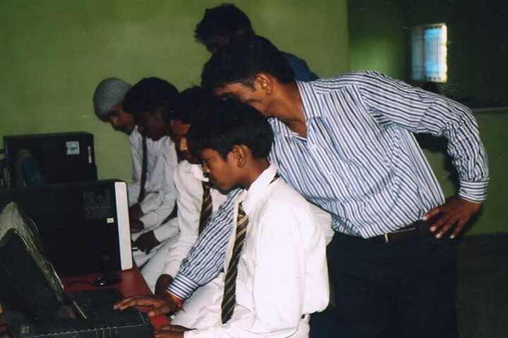 Holy Public School-Computer Lab