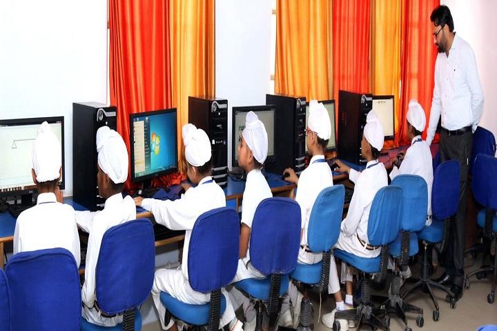 Guru Harkrishan Public School-Computer Lab