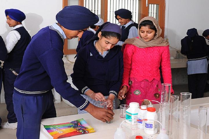 Guru Nanak Dev Academy-Chemistry Lab