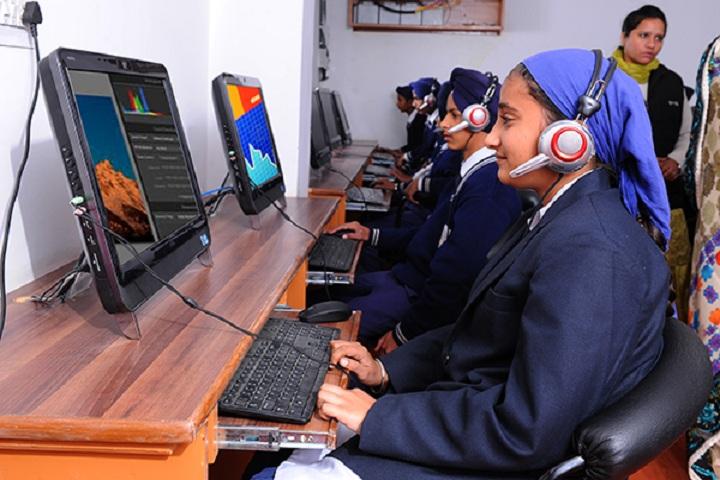 Guru Nanak Dev Academy-Language Lab