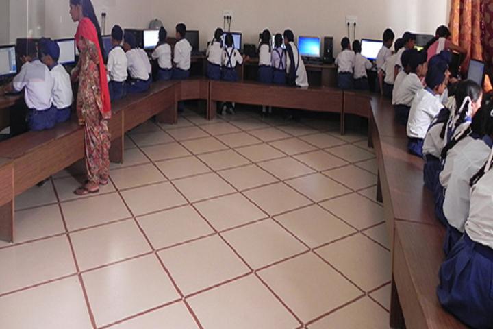 Guru Nanak Dev Global Academy-Computer Lab