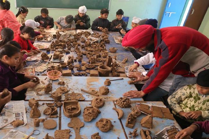 Guru Nanak Foundation Global School-Arts Room