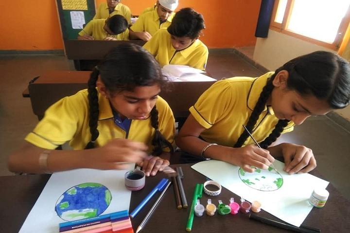 Guru Nanak Foundation Global School-Arts and Crafts