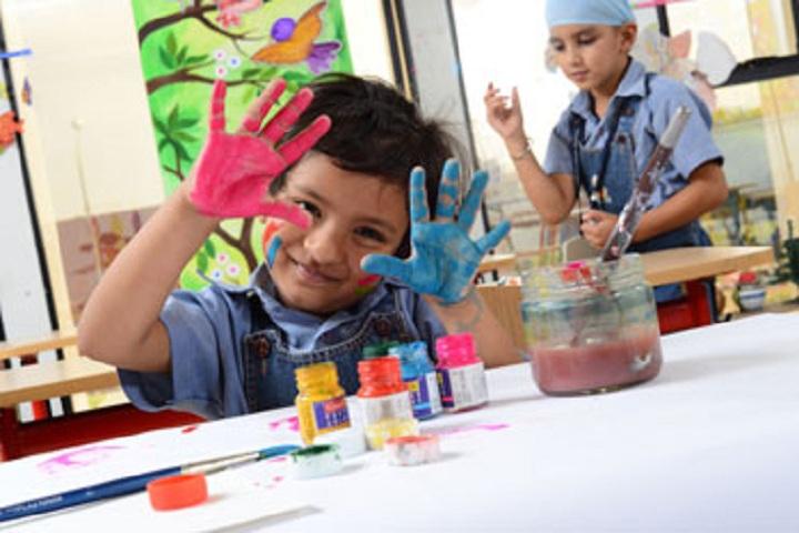 Gurukul World School-Art and Craft