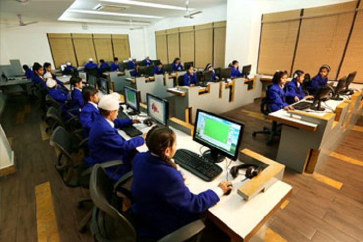 Gurukul World School-Computer Lab