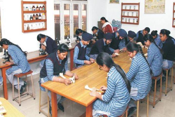 Gurunanak International Public School-Biology Lab