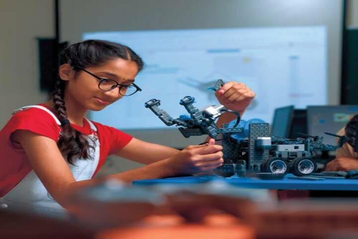 Ambitus World School-Robotics lab