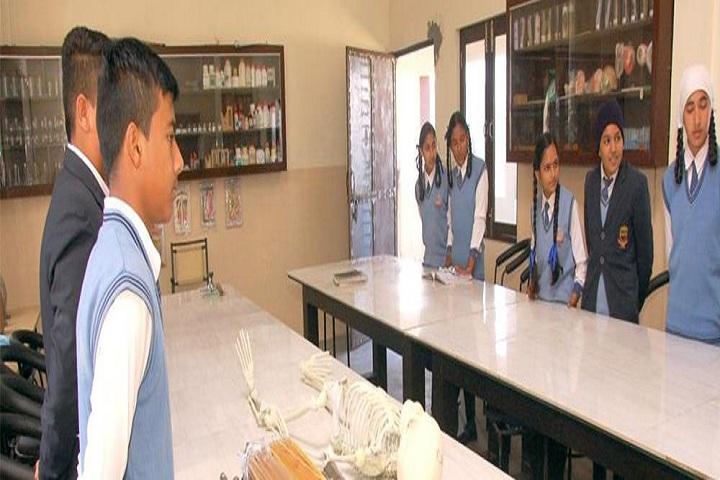 Holy Heart School-Chemistry Lab
