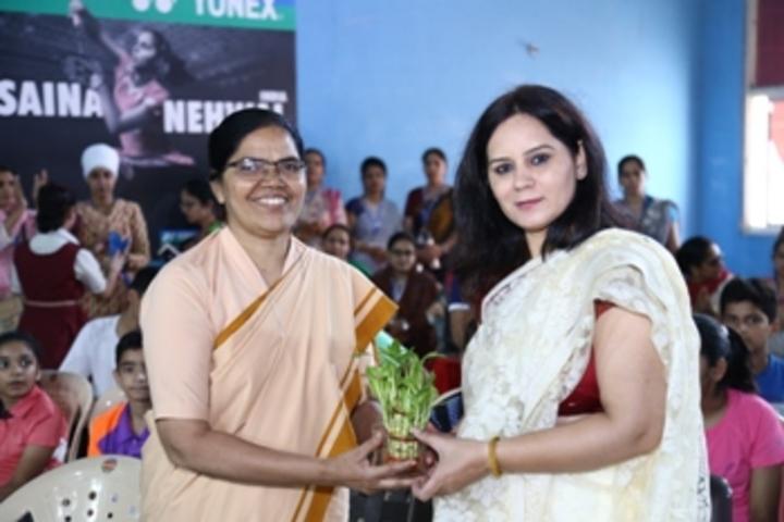 Infant Jesus Convent School-Award Receiving