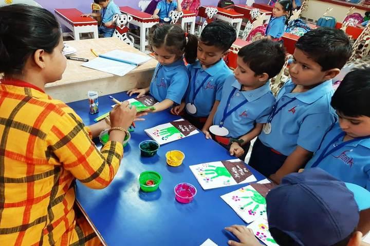 J M K International School-Art and Craft