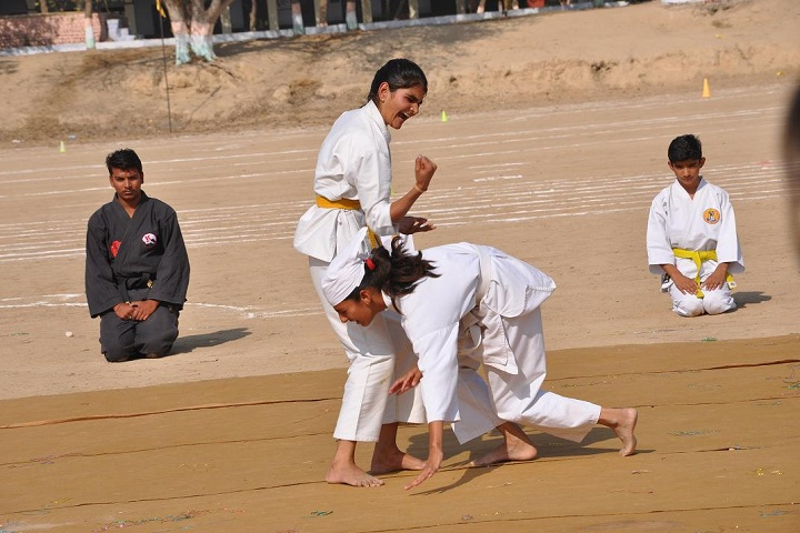 Jhamku Devi Girls School-Karate Competition