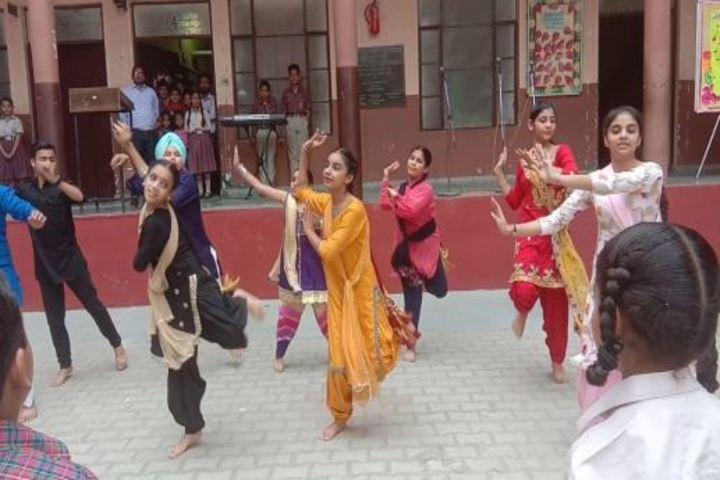 Jiya Lal Mittal DAV Public School-Dance