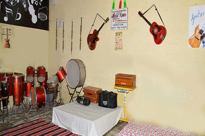 Late Ishar Das Gumber Dav Centenary Public School-Music Room