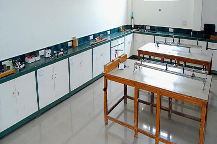 Late Ishar Das Gumber Dav Centenary Public School-Physics-Lab