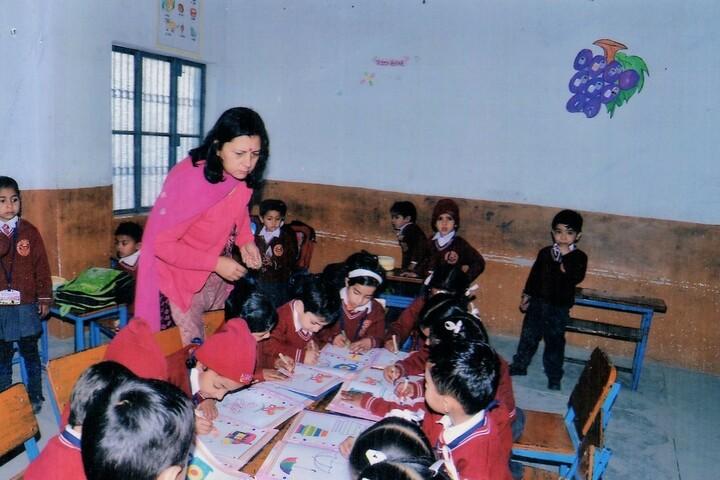Maharana Partap Senior Secondary Adarsh Vidyalaya-Activity Room