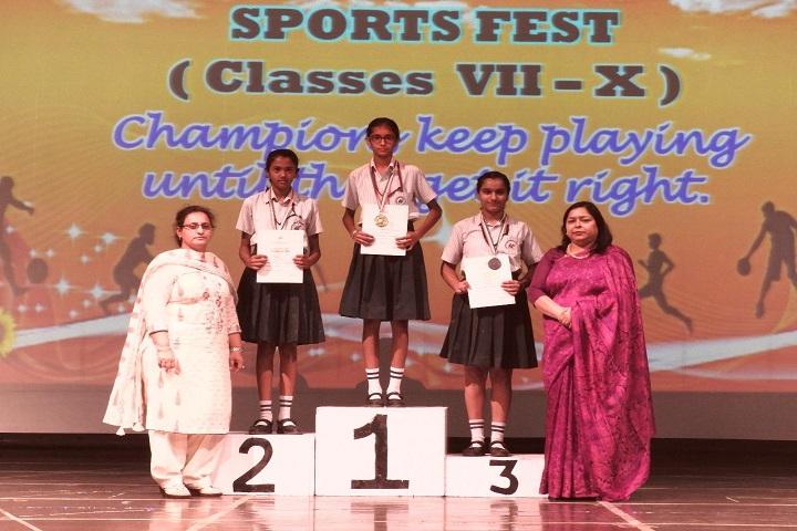 Manav Mangal Smart School-Sports Day