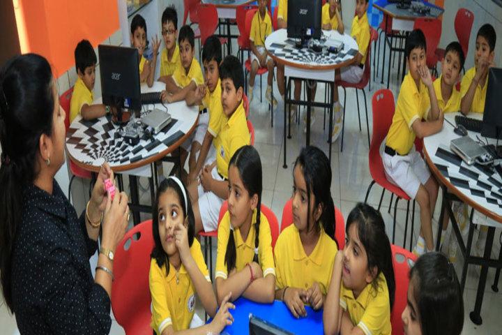 Manav Mangal Smart World-Classroom