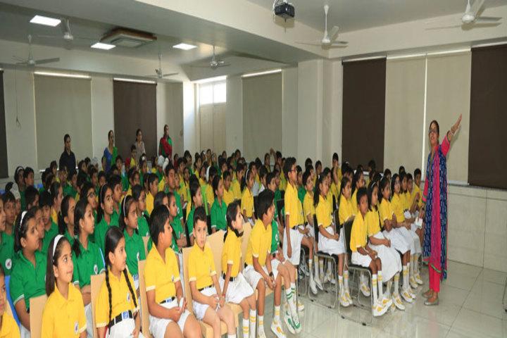 Manav Mangal Smart World-Teaching