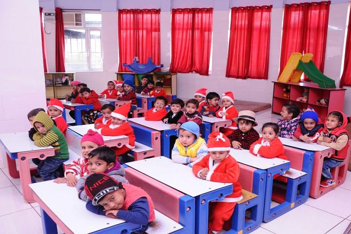 Manu Vatika Day Boarding School-Kids Class