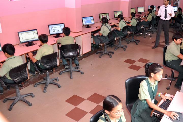 Mata Gujri Public School-Computer lab