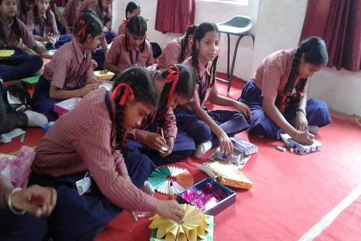 Meera Public School-Art and Craft