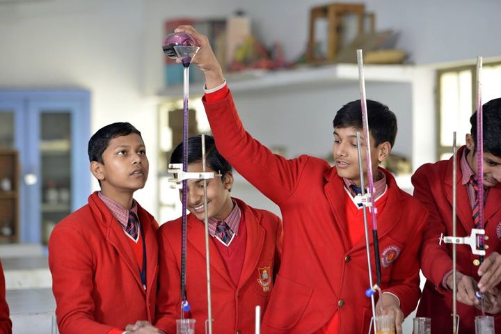 Meera Public School-Science Lab