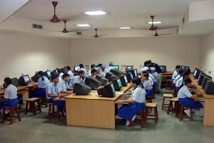 Montgomery Guru Nanak Public School-IT Lab