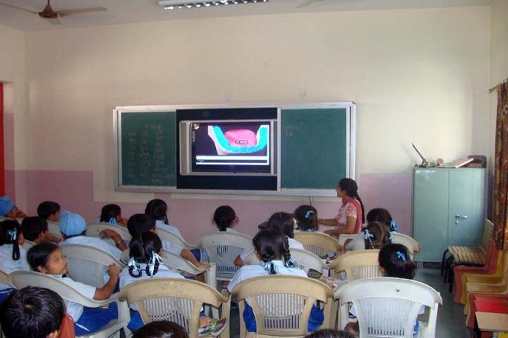 Montgomery Guru Nanak Public School-Smart Classroom