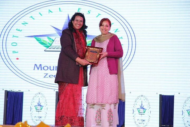 Mount Litera Zee School-Award