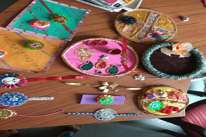 Narain Public School-Rakhi Making