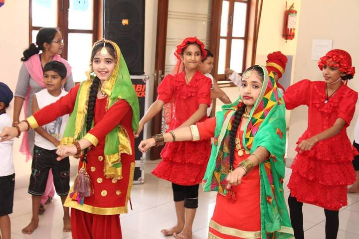 Narain Smart School-Dance