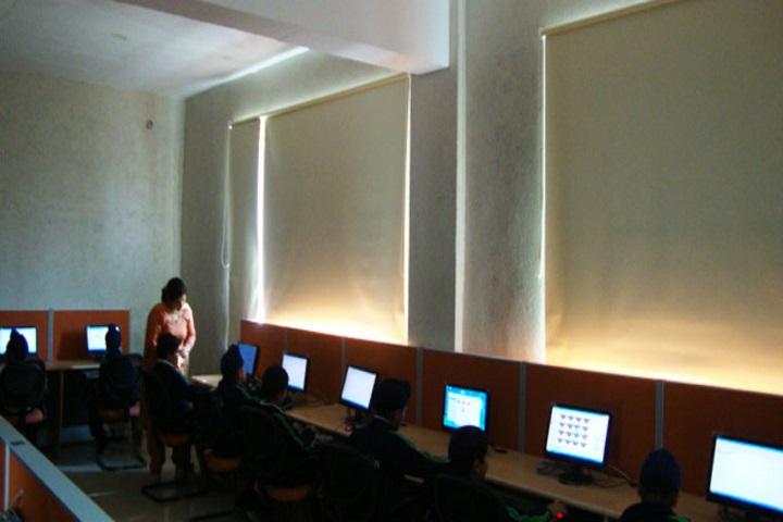 Oakridge International School-Computer Lab