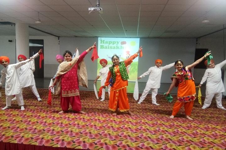 Om Parkash Bansal Modern School-Bakshi Celebration Day
