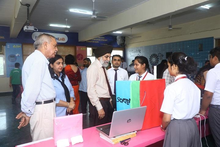 Om Parkash Bansal Modern School-Science Fair
