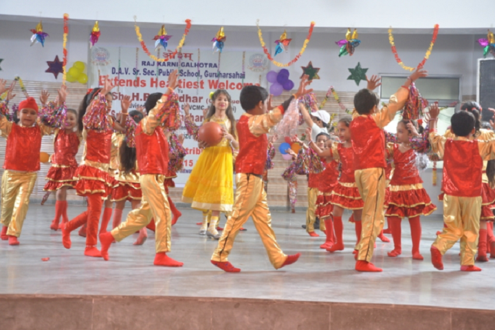 R K G Dav Senior Secondary Public School-Dance