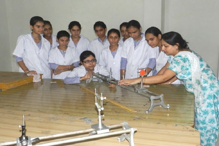 Raj Memorial School-Physics Lab
