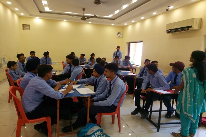 Rajindera Public Senior Secondary School-Study Room