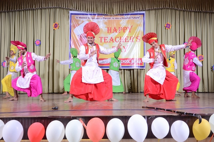 Rattan Dai Khosla Dav Model Senior Secondary School-Teachers Day Celebration