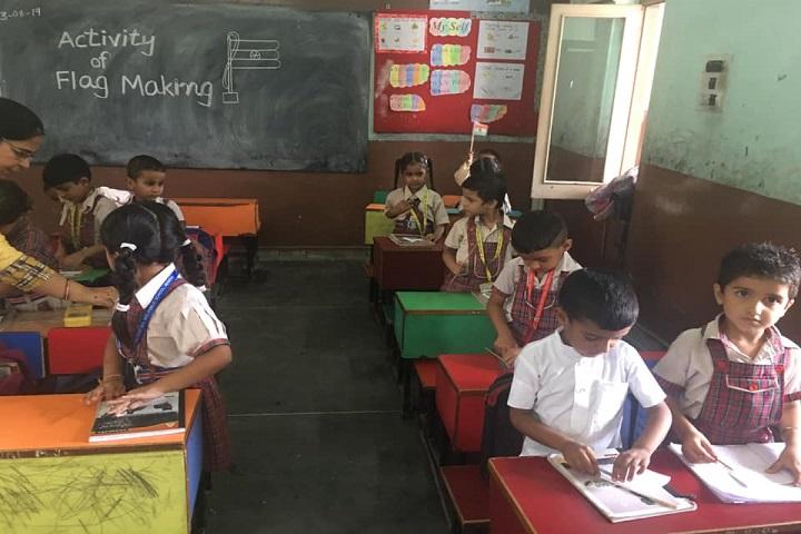 SDKL Dav Centenary Public School-Class