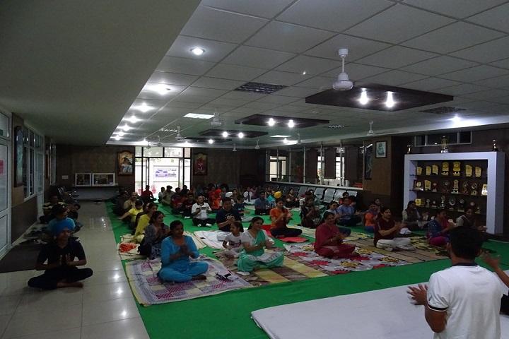SDKL Dav Centenary Public School-Yoga