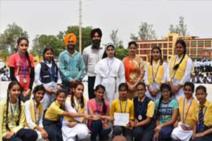Sacred Heart Senior Secondary School Ludhiana-Picnic