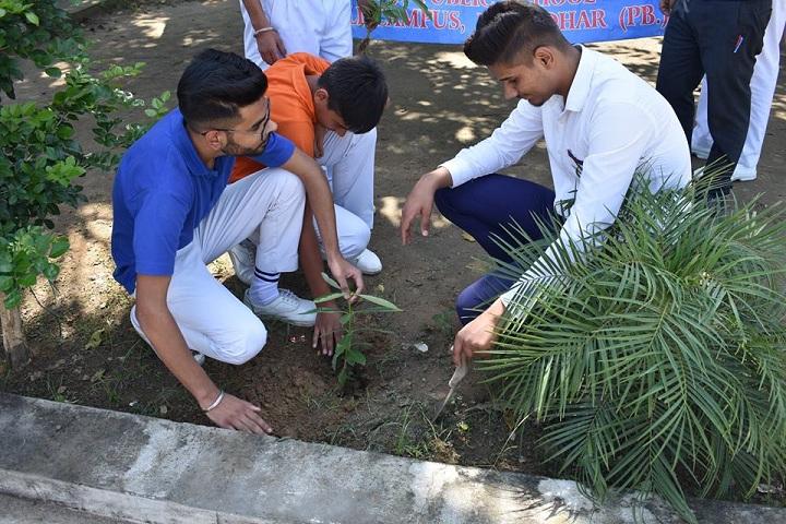 Sahibzada Ajitsingh Ji Public School-Plant a Tree Program