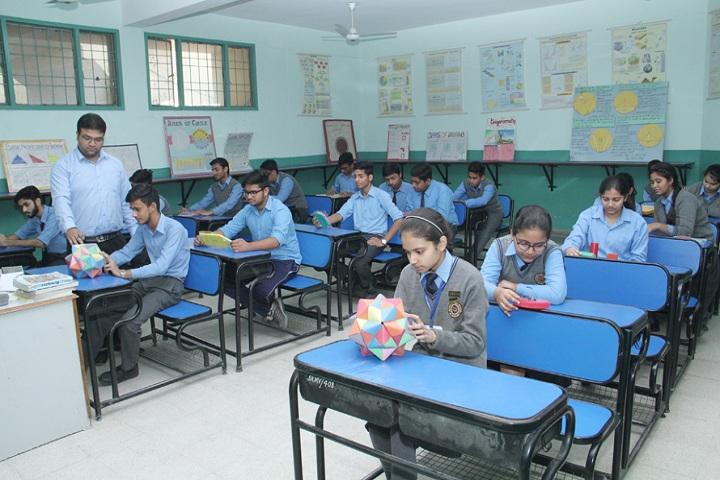 Sanskiriti Kmv School-Maths Lab
