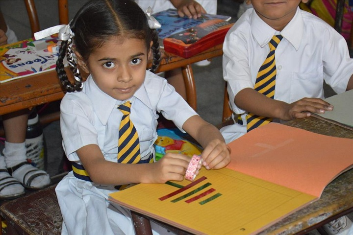 Sant Ishar Singhji Memorial Public School-Art and craft