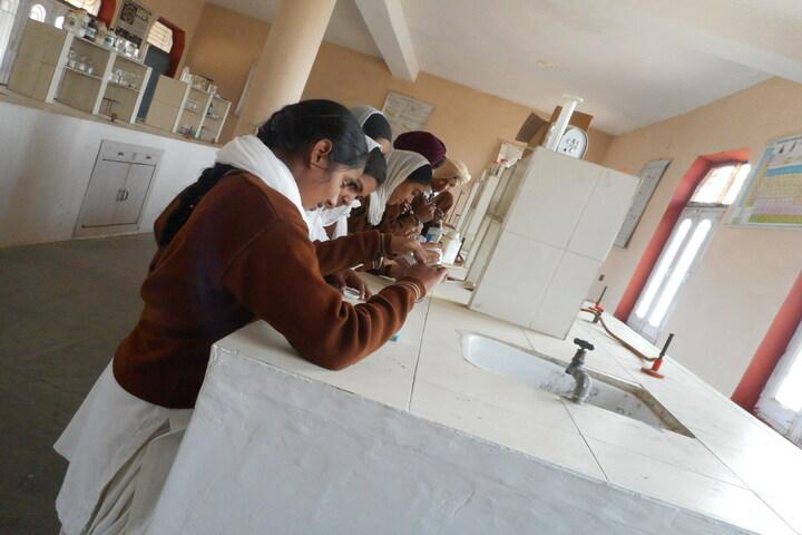 Sant Sar Public School-Chemistry Lab