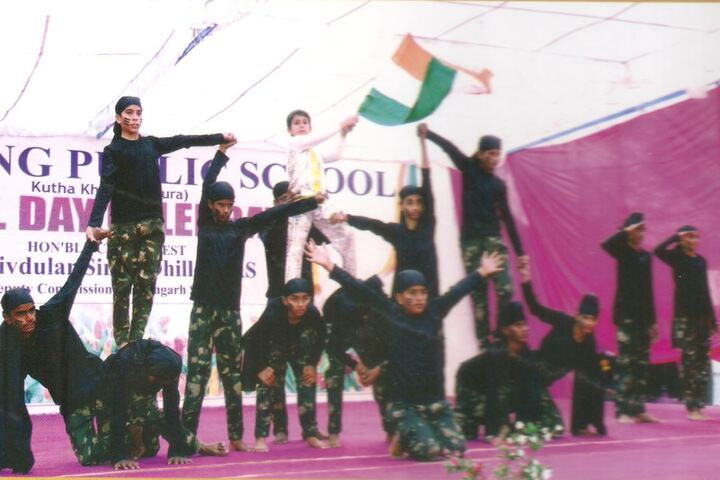 Sapt Sring Public School-Independence Day